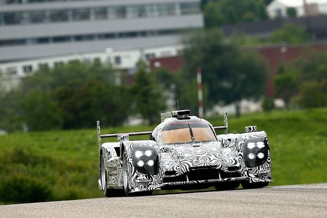 Mark Webber va pilota pentru Porsche la Le Mans