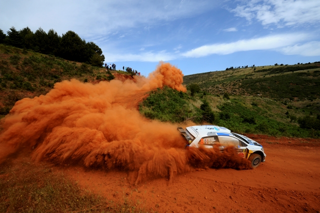 Volkswagen si Ogier lideri la jumatatea sezonului