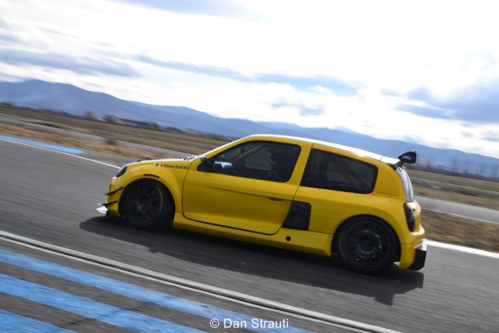 Emil Ghinea va pilota un Renault Clio RS V6 Trophy