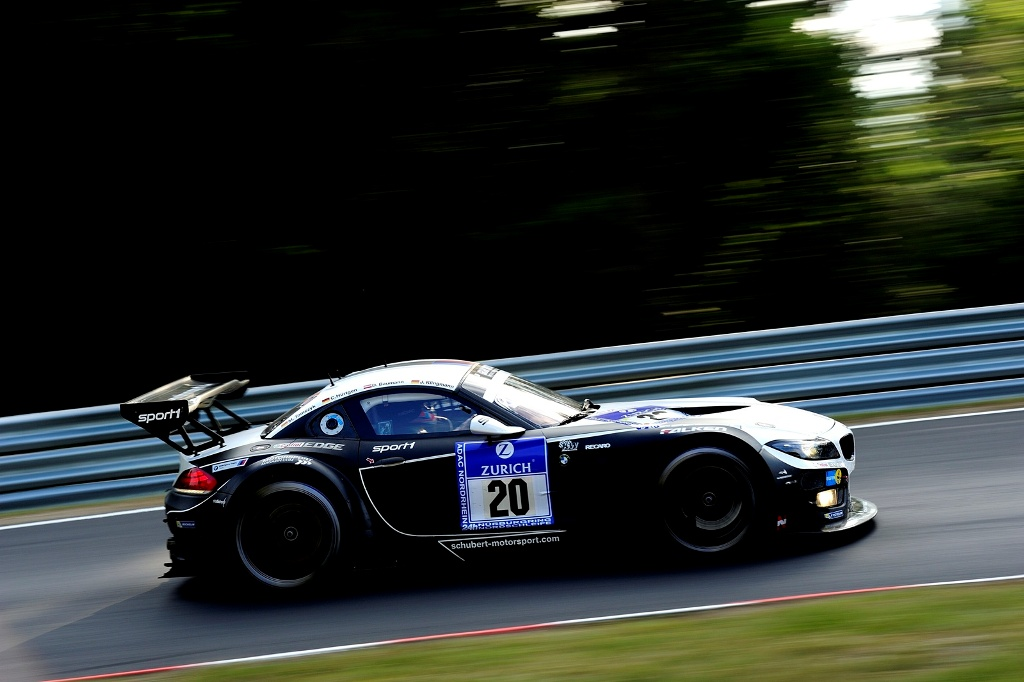 Două modele BMW Z4 GT3 în Top 10 la Nurburgring 24H