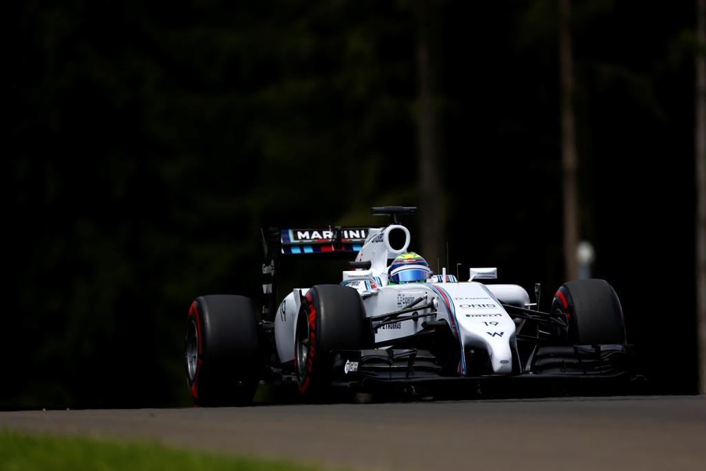 Doua monoposturi Williams in prima linie a grilei pe Red Bull Ring