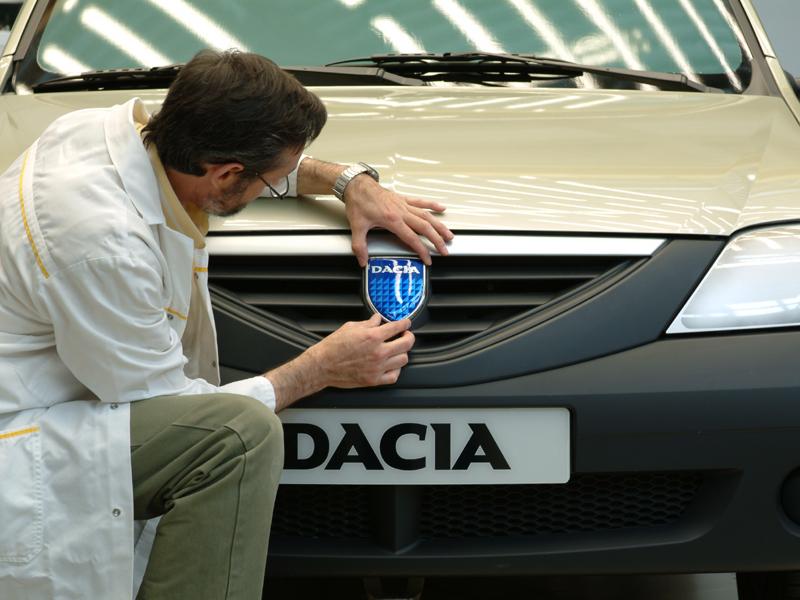Dacia Logan sarbatoreste un deceniu de existenta
