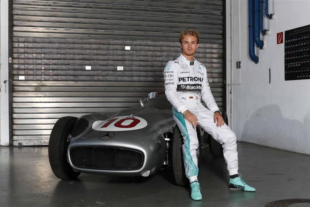 Nico Rosberg va pilota in continuare una din Sagetile Argintii