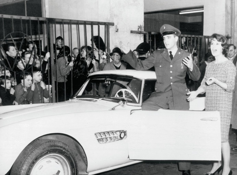 Restaurarea unui BMW 507 care a apartinut lui Elvis Presley