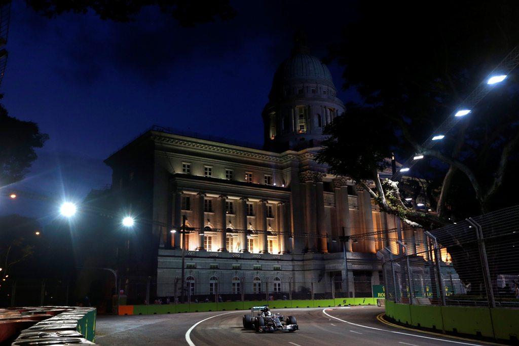 Lewis Hamilton a castigat Marele Premiu al Republicii Singapore