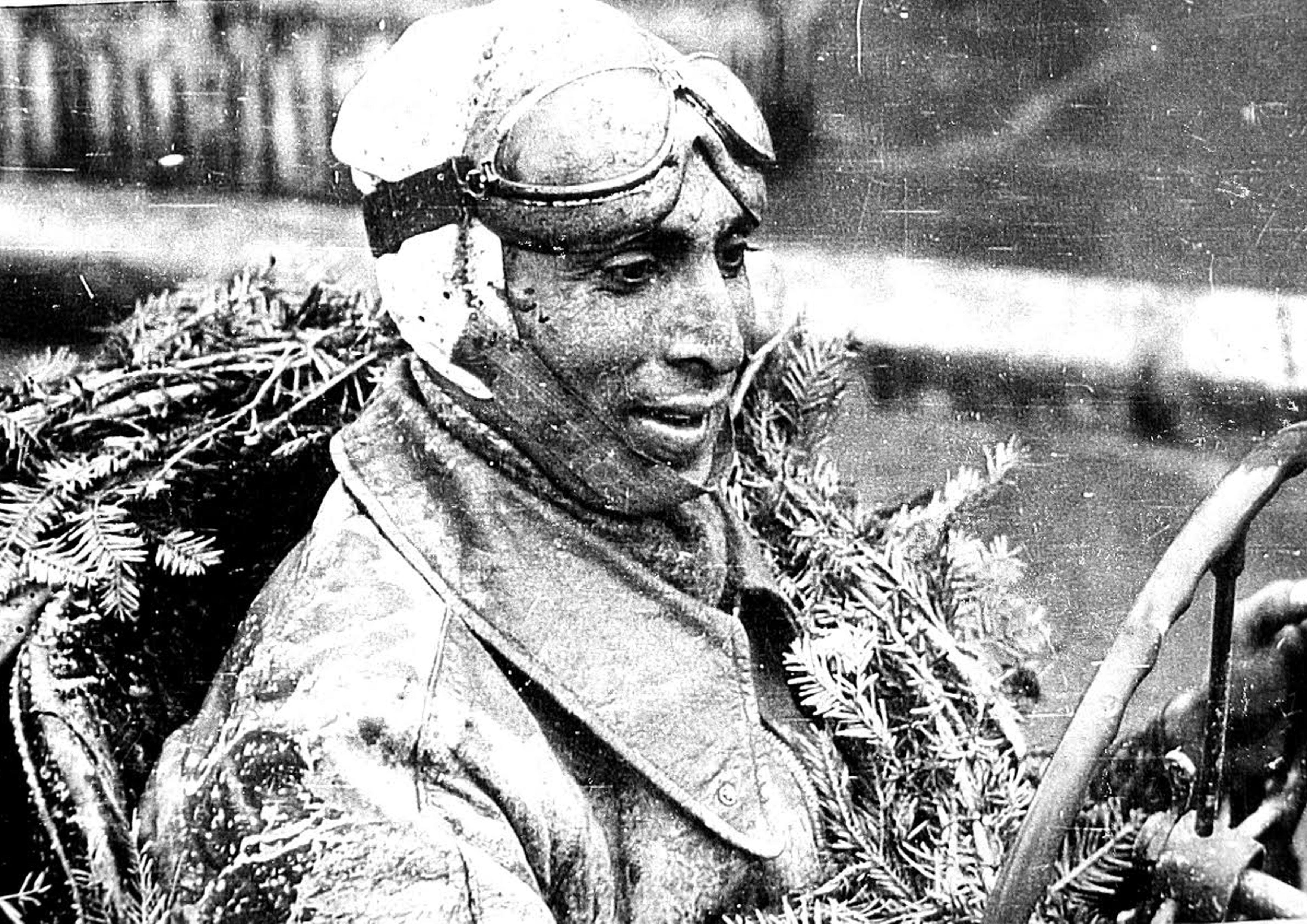 Un pilot de legendă împlineşte astăzi 96 de ani: La mulţi ani, Marin Dumitrescu!
