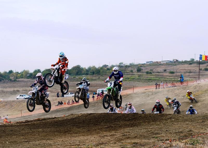 Prima etapa din Motocross Cup va avea loc sambata 2 mai la Prundu
