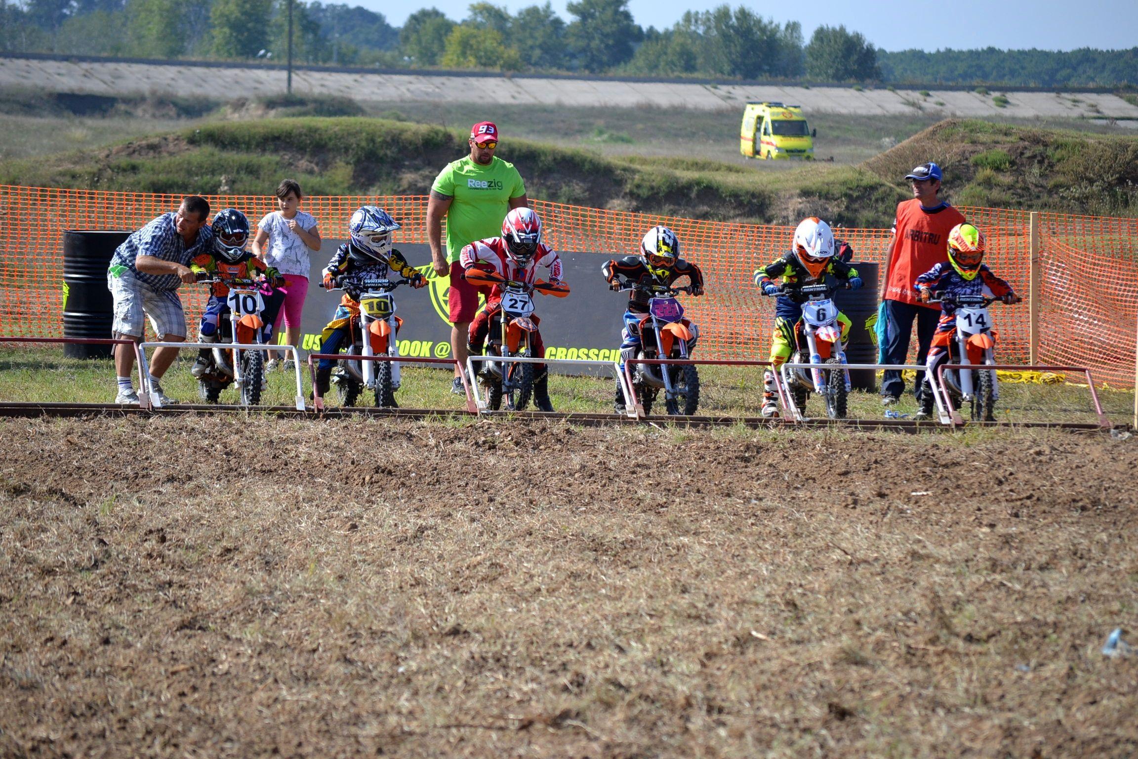 Copiii au revenit in motocross, pe circuitul Corsarul Rosu din Bolintin Vale