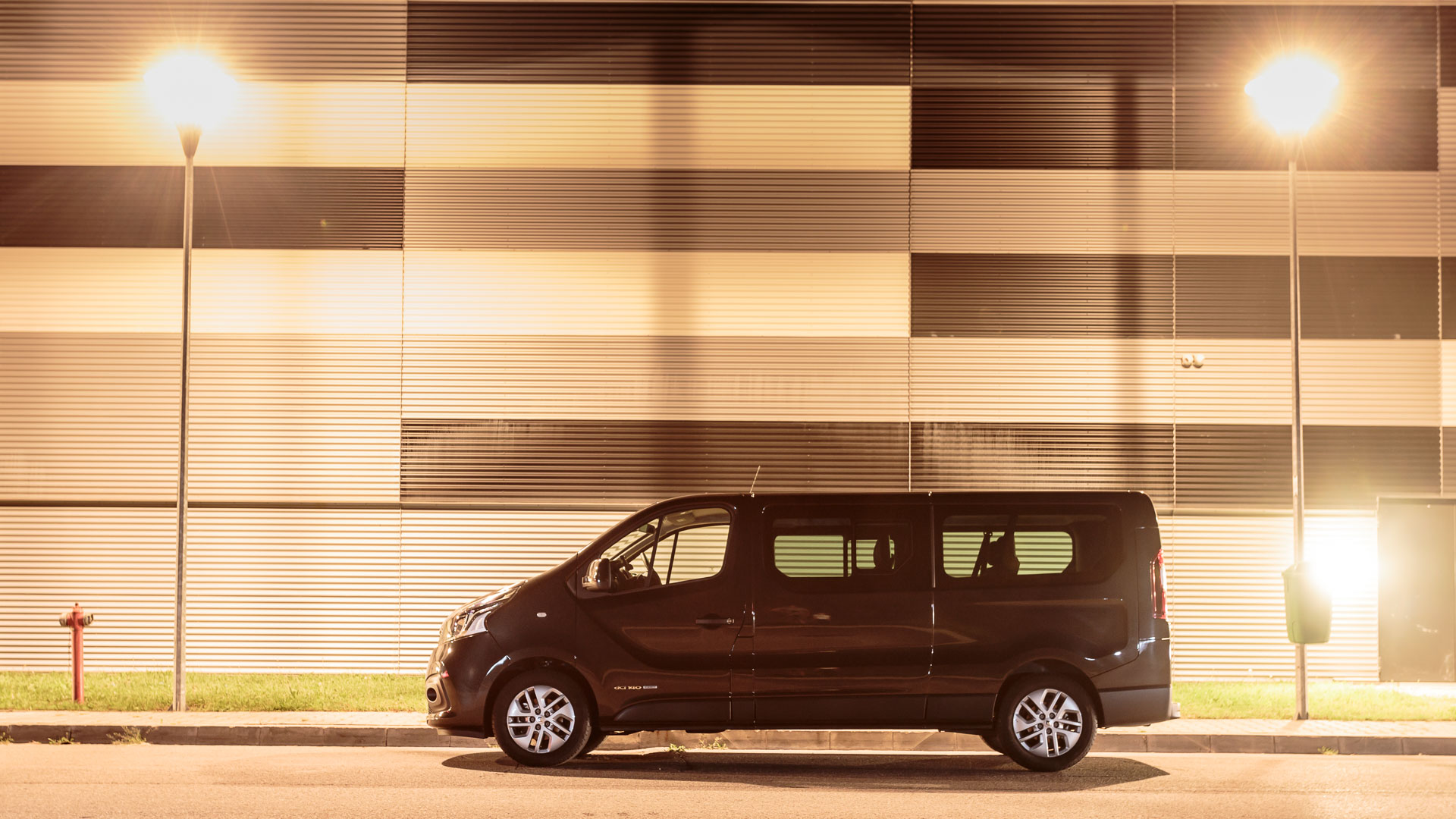 Drive test Renault Trafic Grand Passanger 2015 1.6 dCI TwinTurbo 140 CP