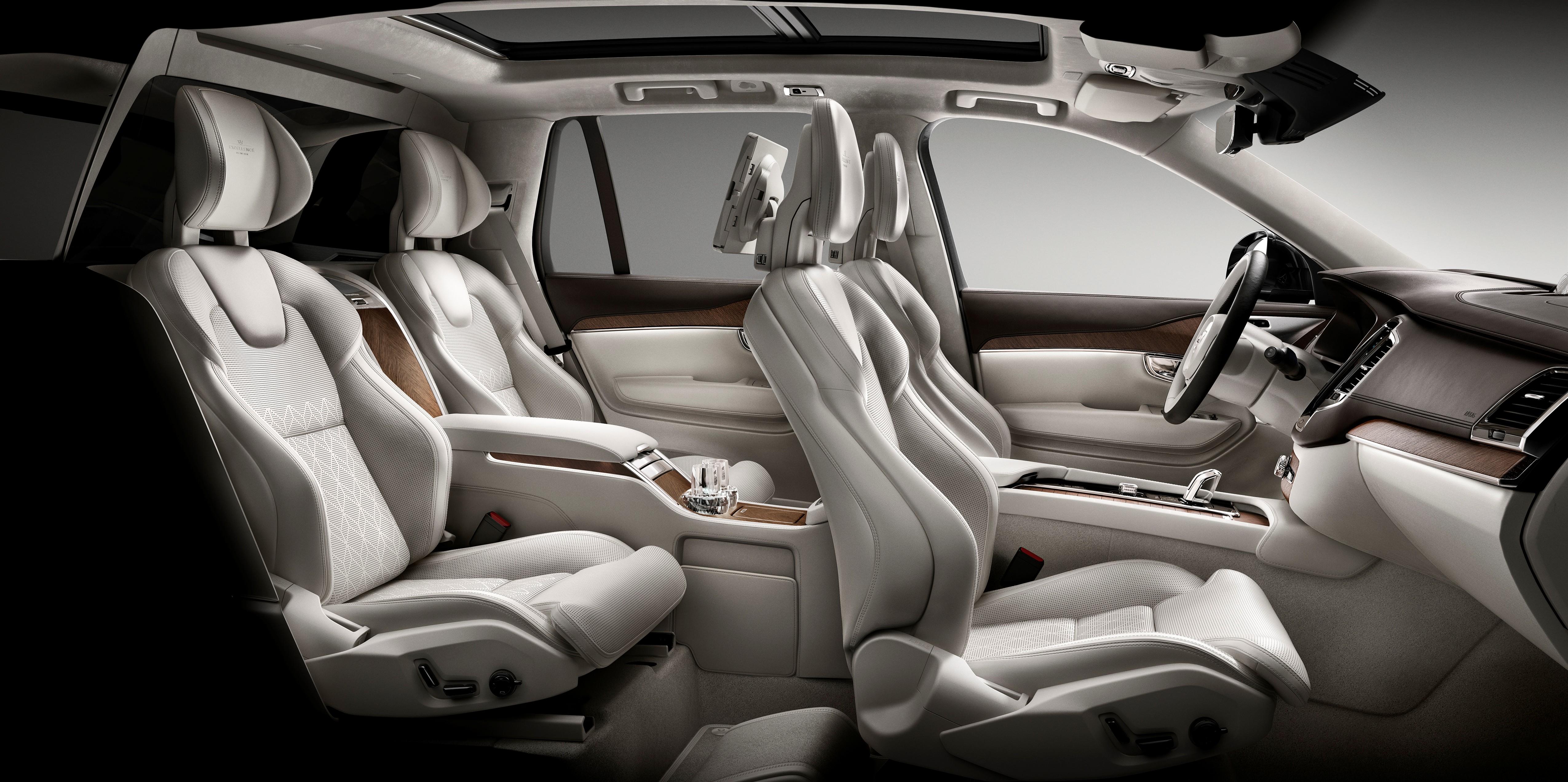 Volvo XC90 Excellence este disponibil acum în România