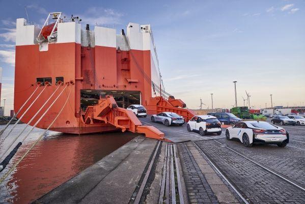Trei ani de la lansarea pe piaţă a BMW i. 100.000 de automobile BMW electrificate pe şosele