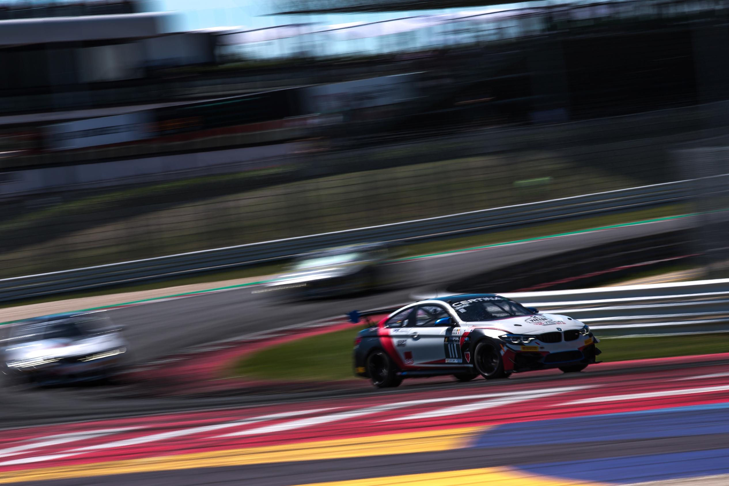 Răzvan Umbrărescu aduce prima victorie din istorie pentru BMW M4 GT4