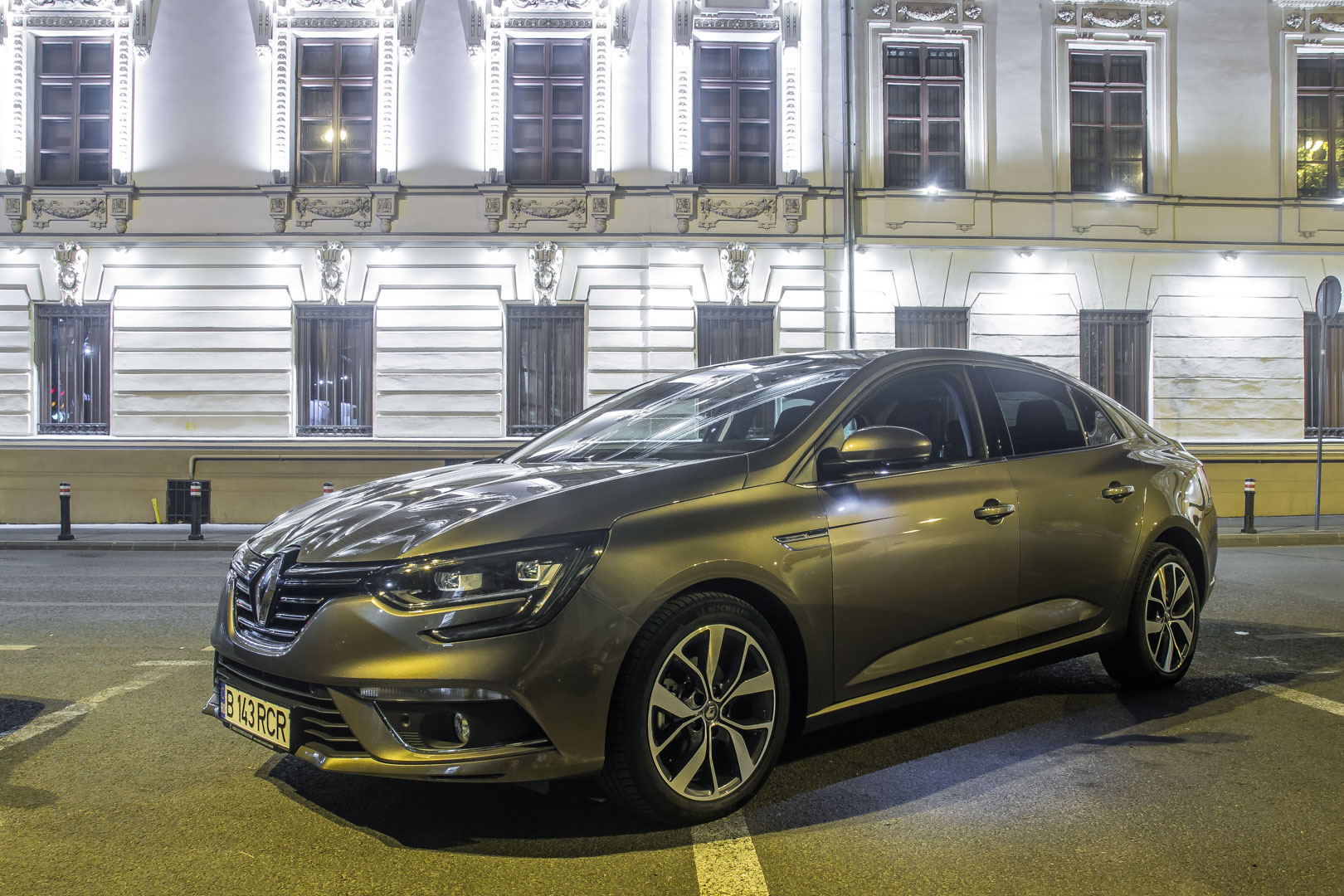 Drive test Renault Megane Sedan 1.2l TCe EDC7 Intens