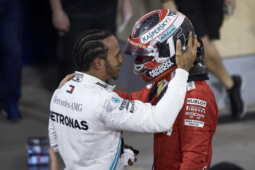 Lewis Hamilton a castigat Bahrain Grand Prix