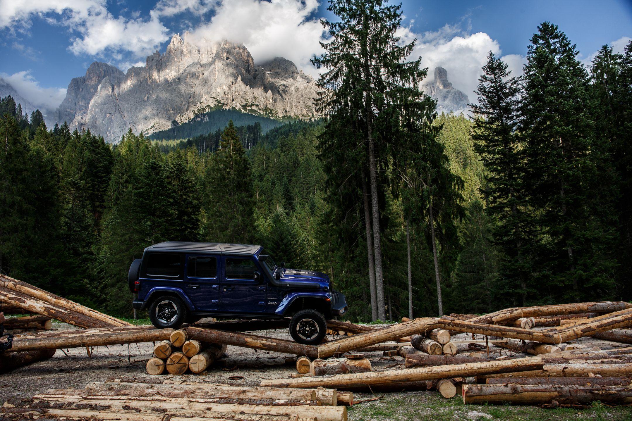 AUTO ITALIA lansează magazinul online de piese de schimb auto, accesorii de origine și merchandising