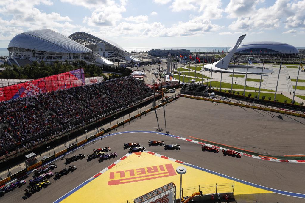 Lewis Hamilton a câștigat Marele Premiu al Rusiei