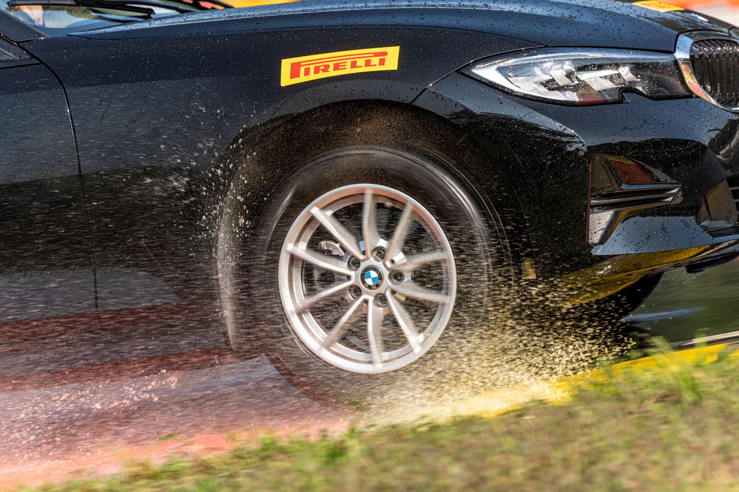 Pirelli își extinde gama de anvelope all season