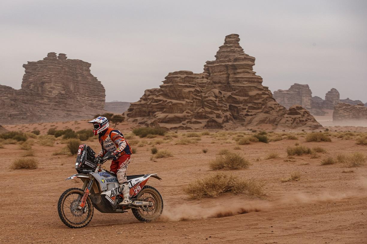 Mani Gyenes termină Dakar 2021 pe locul 2, la clasa Original Malle Moto