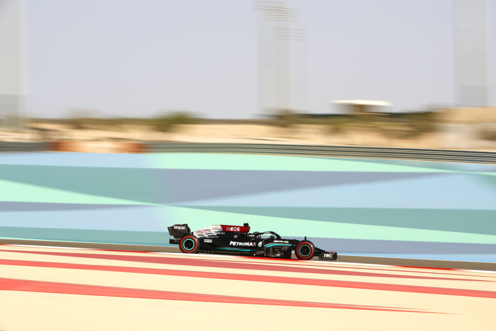 Lewis Hamilton a castigat Marele Premiu al Bahrainului