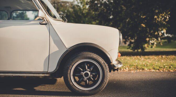 O nouă anvelopă Pirelli Collezione este acum disponibilă pentru legendarul Mini